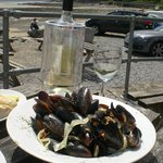 Mussels, Vino and that view