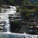 lago con cascata