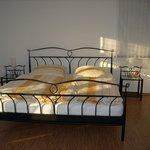 großes und helles Doppelzimmer Comfort mit Doppelbett