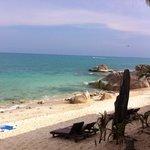 la plage de l'hôtel Bill resort