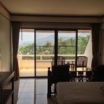 deluxe room w/ balcony