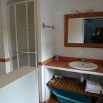 Cottage PASTEL,  salle de douche ch. bleue