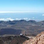 Widok ze szczytu na kalderę wulkanu