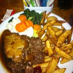 steak & ale piewith homemade chips!