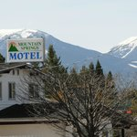 Mountain Springs Motel, March 29, 2013. Photo taken by Damaris Martinez
