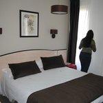 Kleine kamer met prima bed