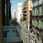 Vista dal balcone su Via Toledo