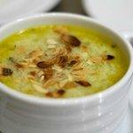 Куринный суп с грибами и фисташками
