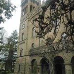 il castello (ingresso reception e torre)
