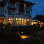 Port Ludlow inn at dusk