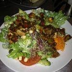 Kleiner Salat mit Chamignons und Balsamico