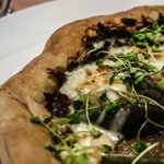 Shallot tart with figs
