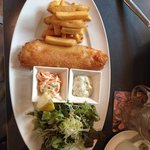 fried fish with chips and salade