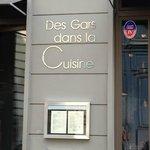 ภาพถ่ายของ Des Gars dans la Cuisine