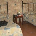 2 camas espacio muy correcto
