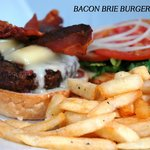 BACON BRIE BURGER