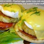 EGGS & CRAB CAKES