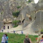 Świątynie wydrążone w skałach