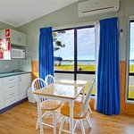 Waterfront Two Bedroom Cabin4 Kitchen & Dining