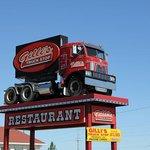 Gilli's Truck Stop & Restaurant