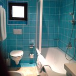 #52 2nd bathroom+shower