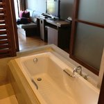 semi-open bath tub, can see seaview