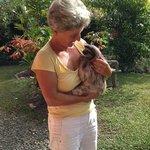 Meine Frau Monica mit dem Faultier Sämeli