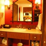 Room 3538, bathroom vanity