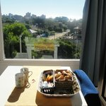 Uno puede desayunar con esa vista (también sirve para chequear cómo viene el desayuno)