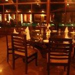 Dhikala restaurant overlooking the pool