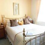 Double Bedroom - king bed