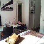 Zimmer 201; recht klein