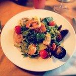 Салат с морепродуктамиAC