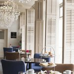 Dining Lounge Area
