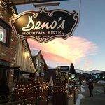 Foto de Deno's Mountain Bistro