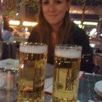Bar de la plaza donde está el hotel