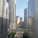 部屋からは都庁など西口高層ビル群が眺められます。