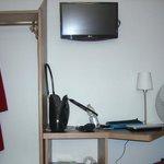 Penderie et télé
