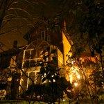 La maison, de nuit
