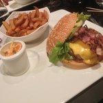 hamburger classique .
