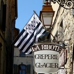 Flagge in der Rue d'Amour