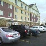Zona Sur del hotel. Hay estacionamiento en ambos frentes! La garita que se ve es la Smoking Stat