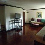 Cucumber Inn Suites Foto