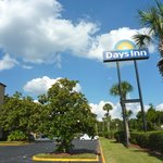 "Totem do DAYS INN, ""Motel"""