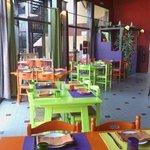 la salle du restaurant Hacienda. Riche en couleurs !