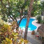 Cafe da manhã ao lado da piscina