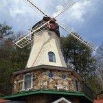 windmill at Heidi Motel