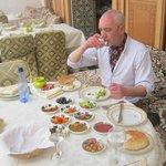 An English man abroad enjoying lunch