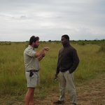 Top Phinda ranger Devon and tracker Nkisa in discussion
