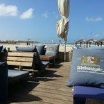 Restaurant  plage ou l'ont peut profiter la journée de la plage et cocktail et un bon souper le
